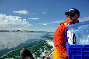 Matt taking the boat to the other sampling spot. (Photo credit: Robie Macdonald)